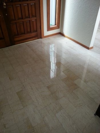 Floor Cleaning and Waxing in TX by Complete Clean Water Extraction